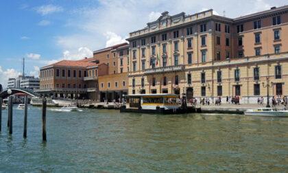 Allarme bomba a Venezia a due passi dalla stazione: ma si tratta di fialetta della caccia al tesoro