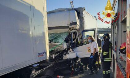 Tamponato da un tir muore autista nel veneziano