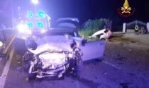 Noale, le foto del tremendo frontale tra due auto: tre feriti gravi. Miracolata una bimba di due anni