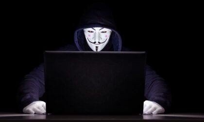 Azienda veneziana attaccata dagli hacker per colpa di un dirigente: navigava su siti porno