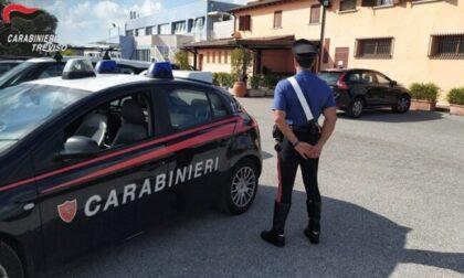 Giovani veneziani pestati a sangue e rapinati fuori da un locale: 20enne arrestato