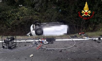 Tragico frontale tra un'auto e un camion: morto il conducente 55enne dell'utilitaria