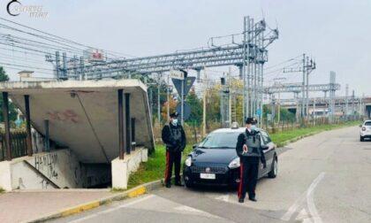Rapinatore sequestra una persona e poi scappa: ma finisce in una retata dei Carabinieri