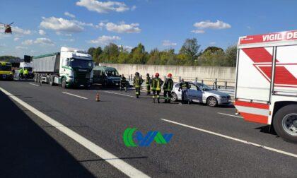 Passante di Mestre, incidente tra auto e camion: un ferito grave e traffico in tilt